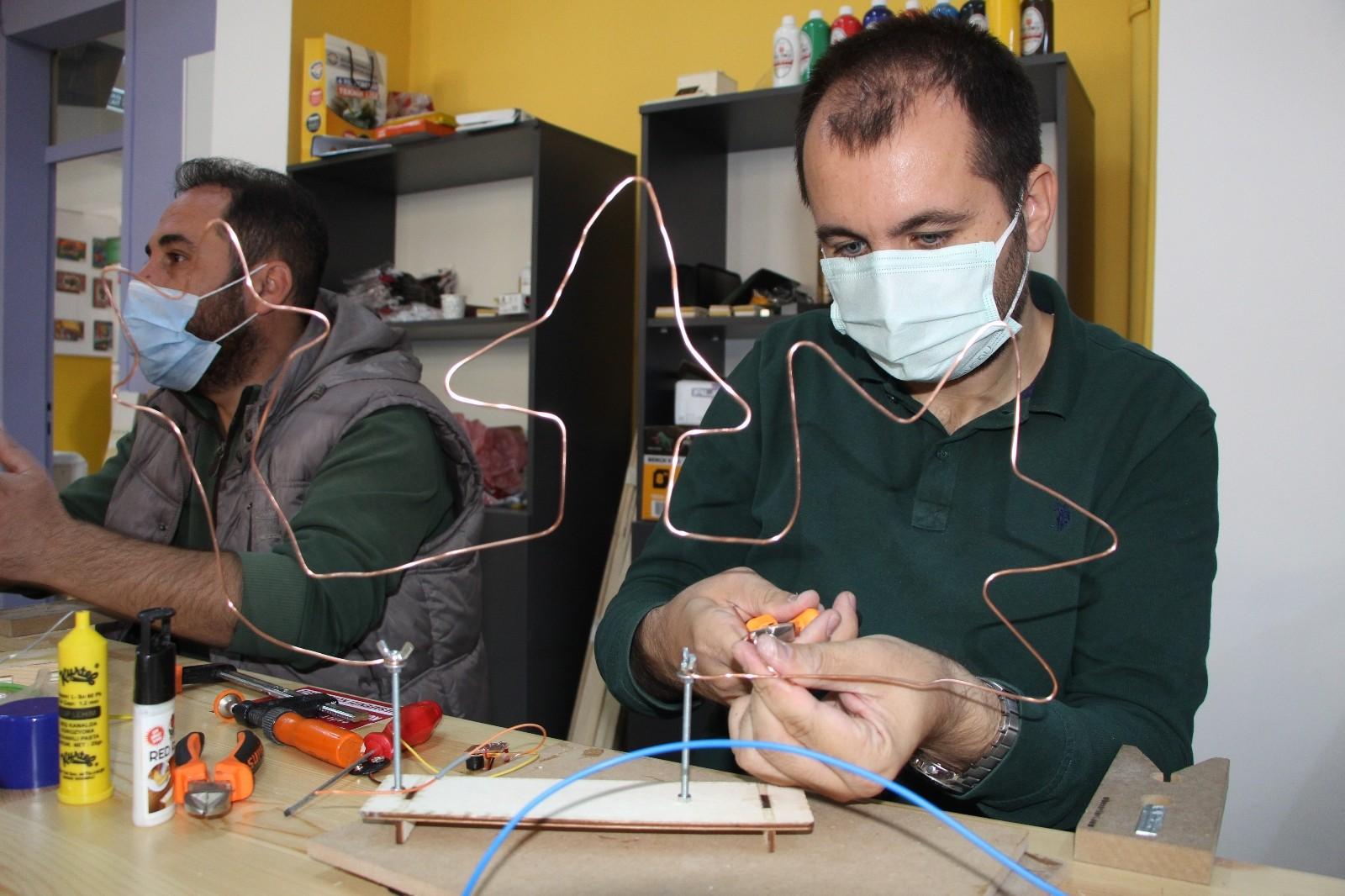Bingöl'de atölyeler kuruldu, öğrencilere ders verecek öğretmenler eğitime alındı