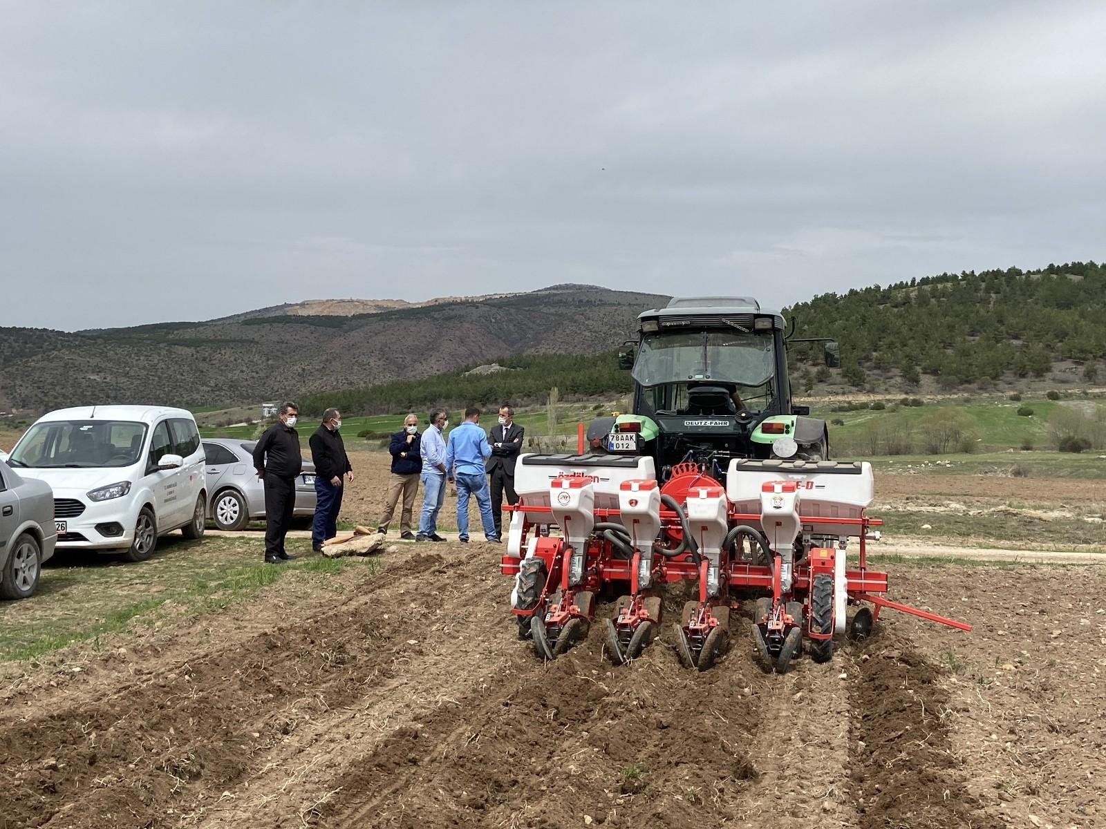 Karabük'te atıl durumdaki tarım arazileri üretime kazandırılıyor
