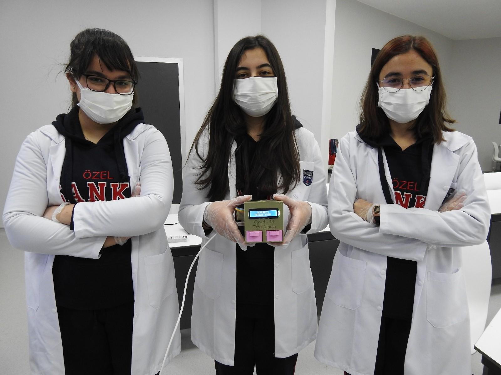 Öğrencilerden 5 dakikada Covid-19 test sonucu veren cihaz