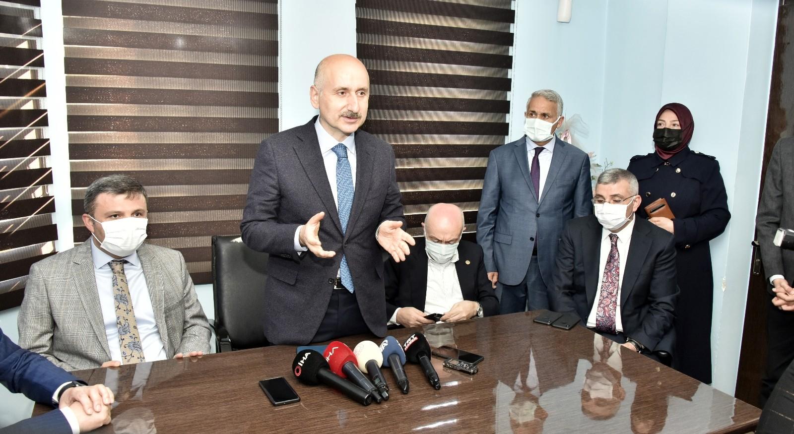Ulaştırma ve Altyapı Bakanı Karaismailoğlu Gümüşhane'de