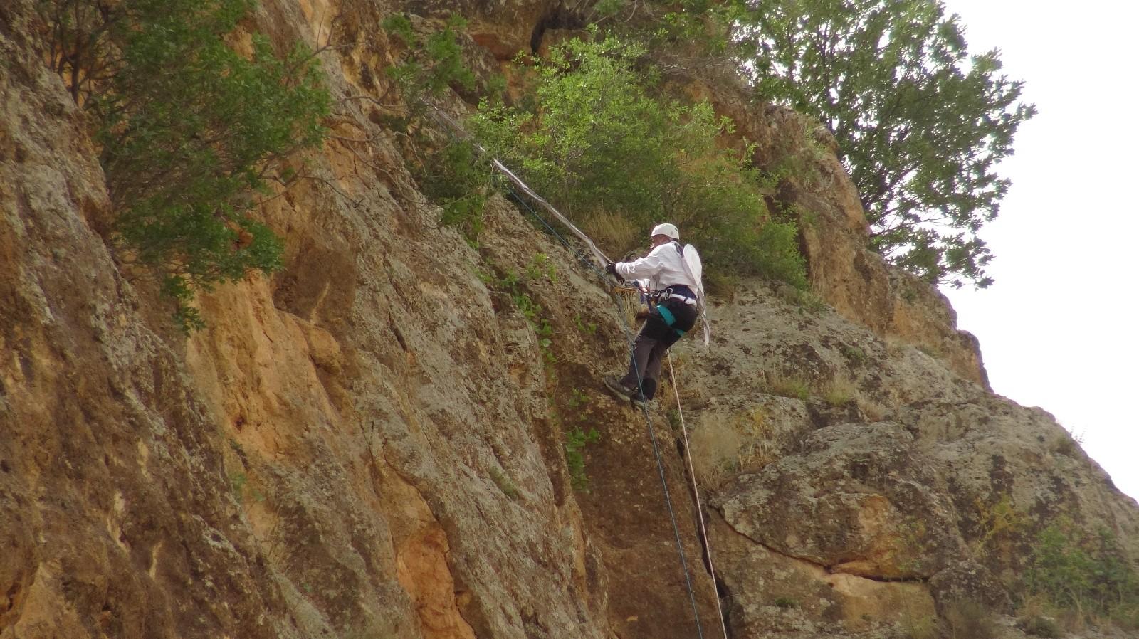 Dağın zirvesindeki hobisini kazanca dönüştürdü