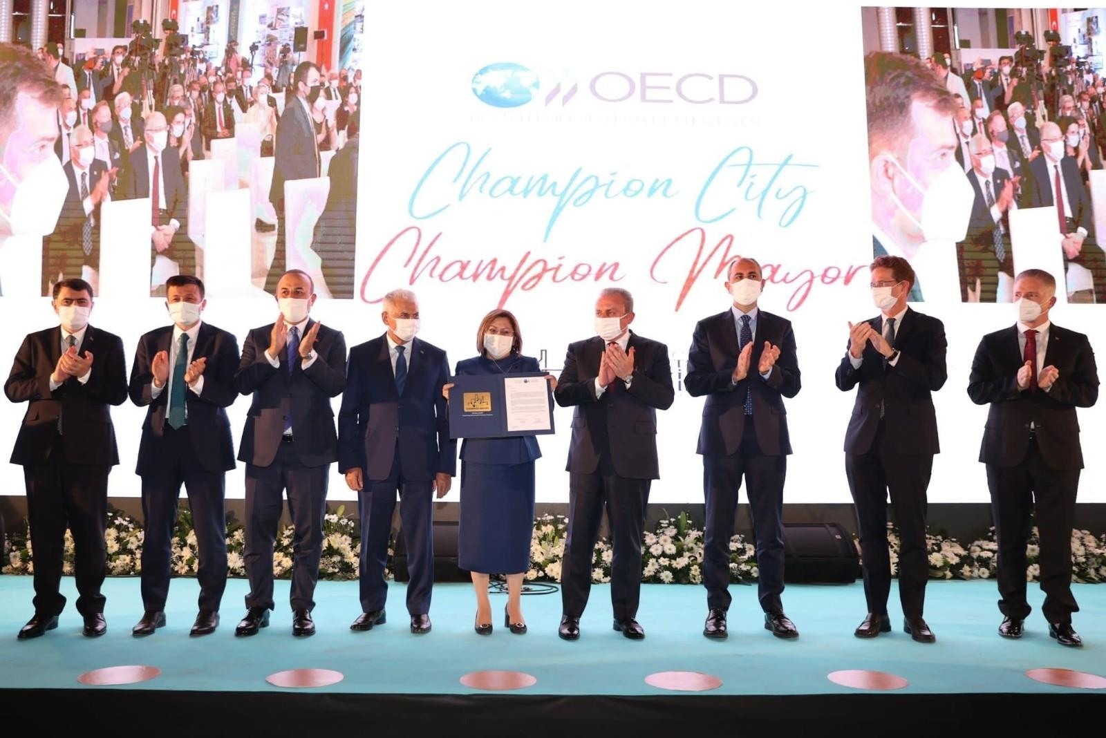 Fatma Şahin OECD Şampiyon Başkanlar arasına Türkiye'den katılan ilk belediye başkanı oldu