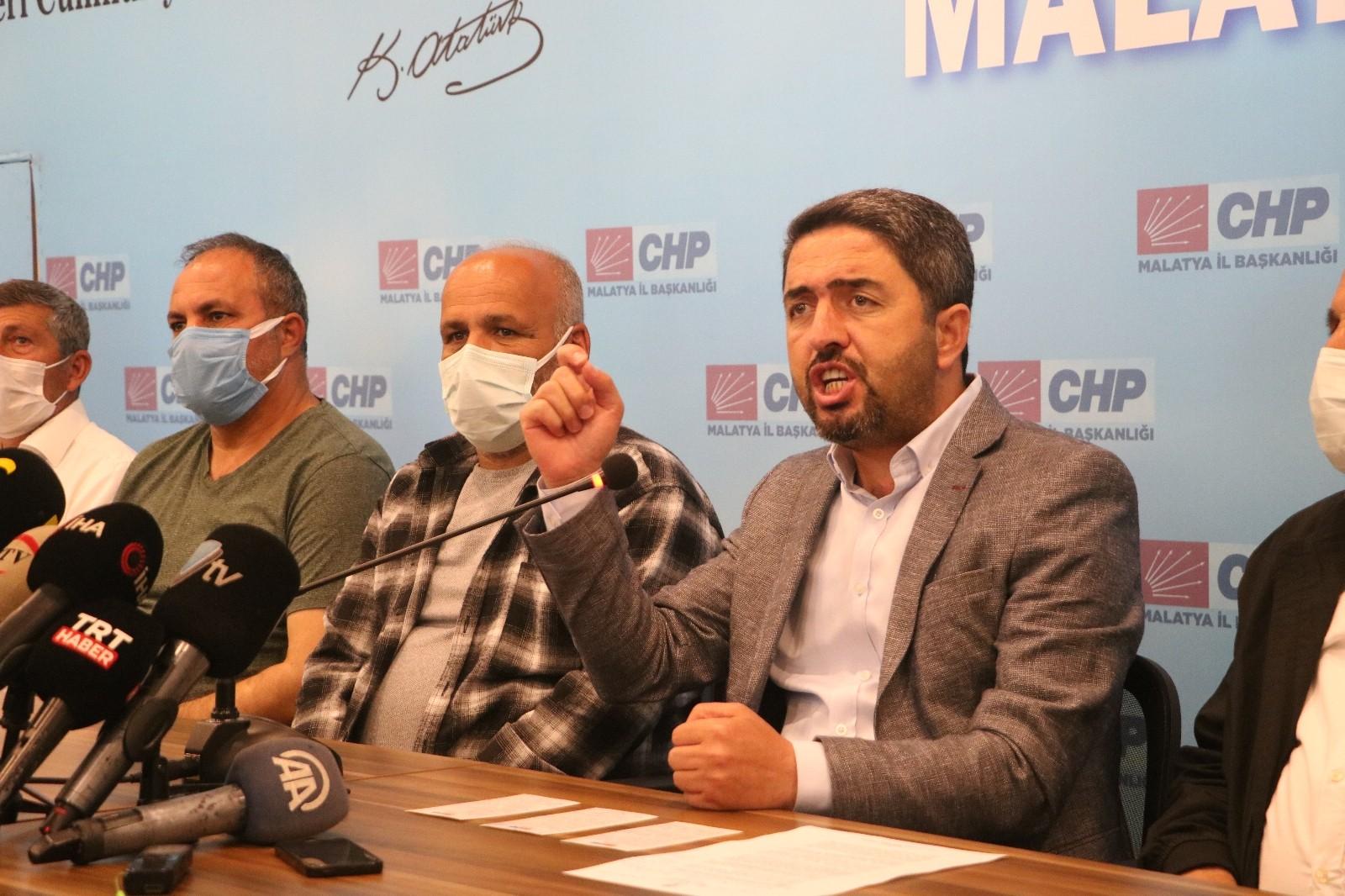 Skandala adı karışan CHP'li ilçe başkanını partiyle ilişiği kesildi